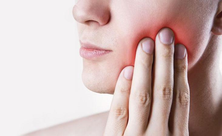 ascesso dentale cosa è cause rimedi